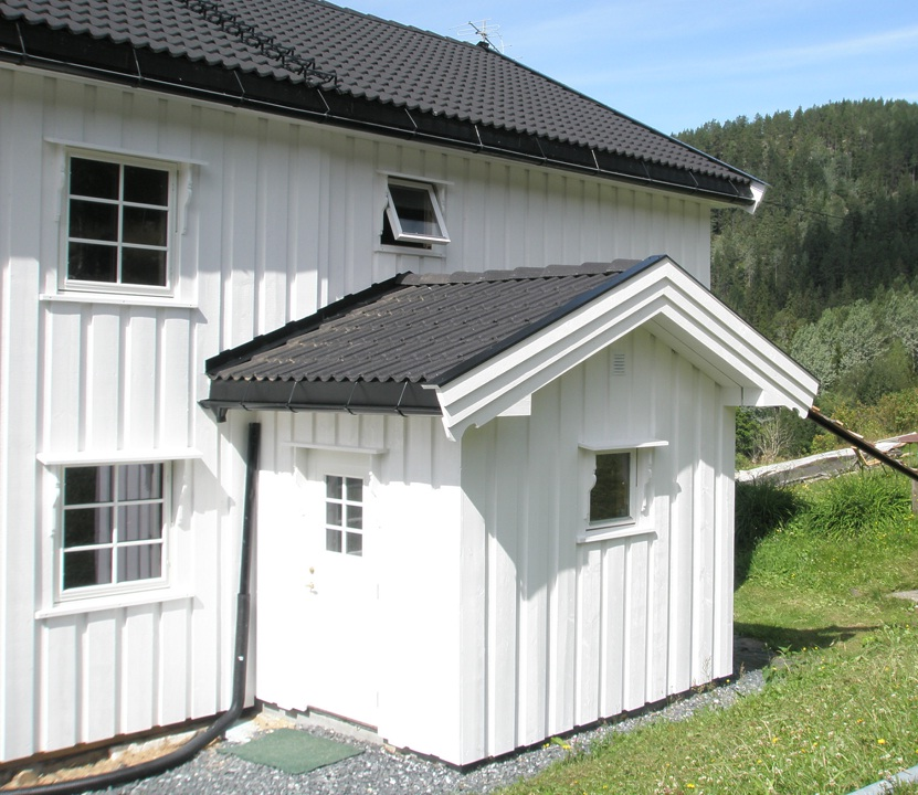Living house restauration hovin norway baltic wood houses for Norway wooden houses